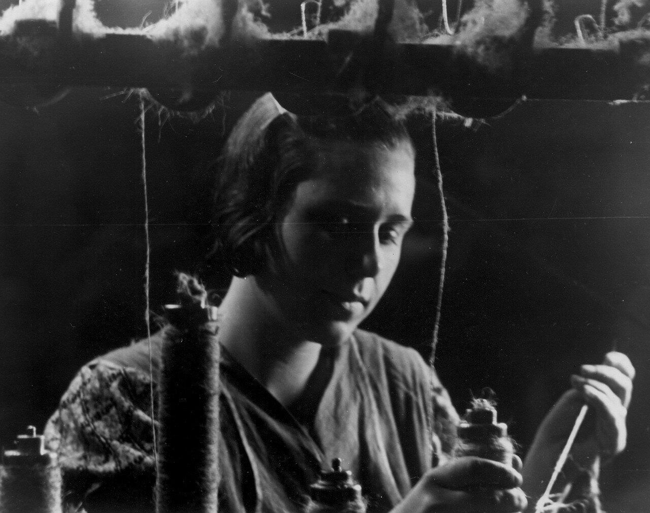 Работница прядильной фабрики