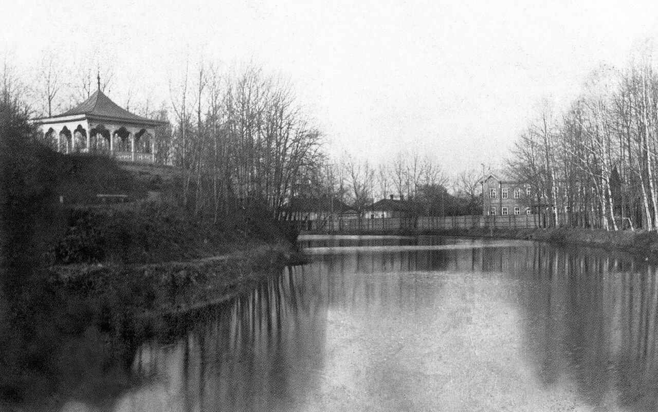 Беседка и пруд в Лопатинском саду. 1905