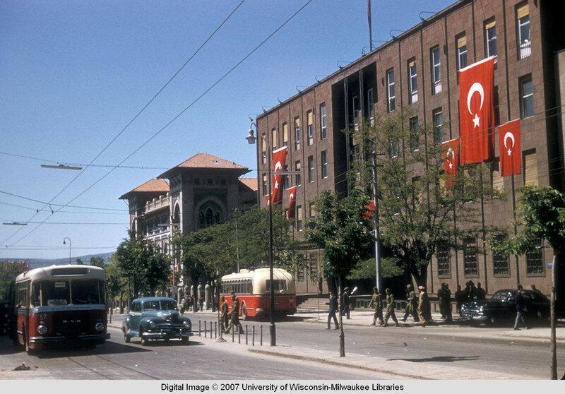 1956 Ankara Ataturk boulevard.jpg