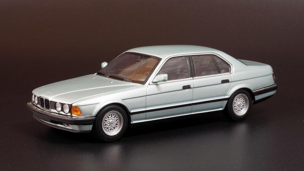 BMW_E32_02.jpg