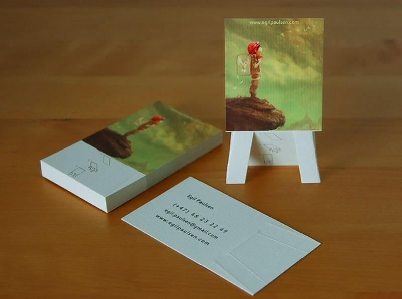 Художник Легким движением руки визитная карточка превращается в маленький мольберт с картиной.