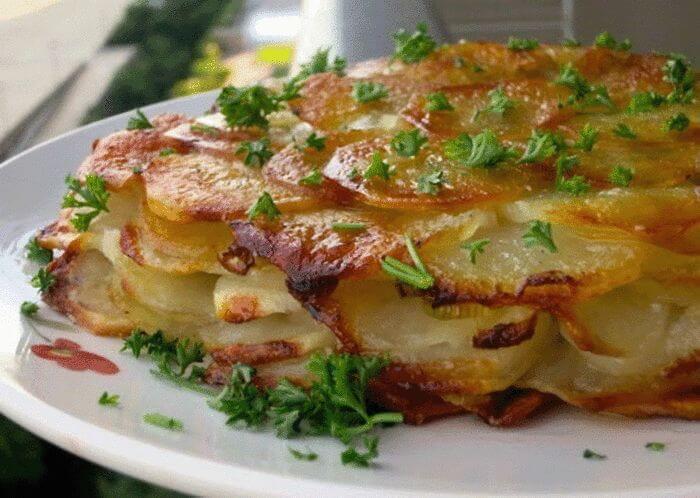Любите картошку, но надоели банальные рецепты? Попробуйте это французское блюдо (1 фото)