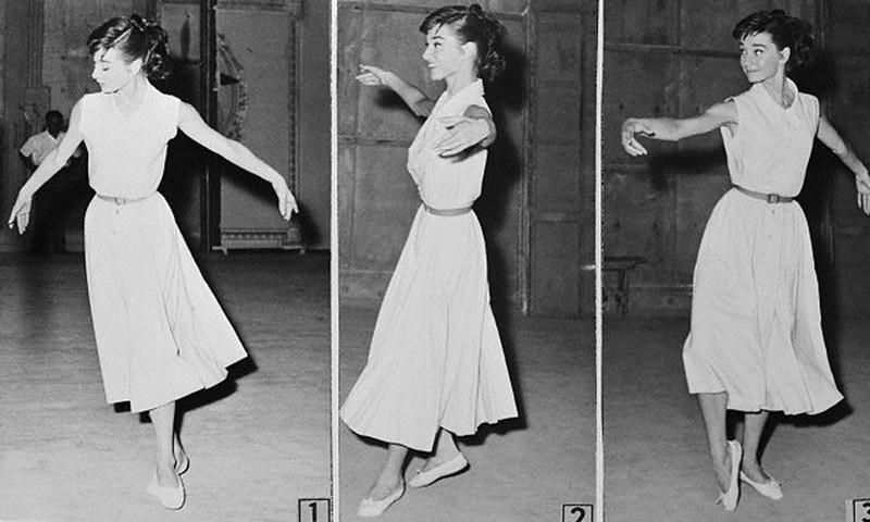 7. Обучение старинному французскому танцу гавот для роли в фильме «Война и мир». 1955 год.