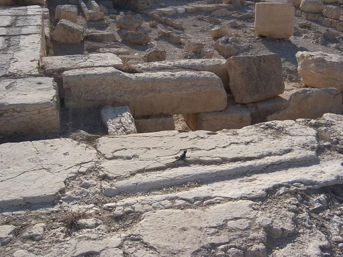 4. Сирийские руины В сирийских пустынях обнаружены руины, возраст которых гораздо больше, нежели пир