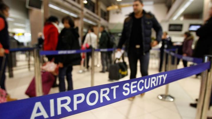 Работники 18 английских аэропортов объявили озабастовке перед Рождеством