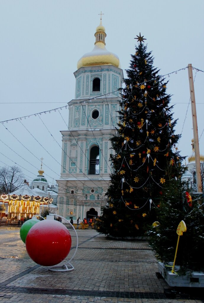 Главная ёлка Киева 2017 под Софиевской колокольней
