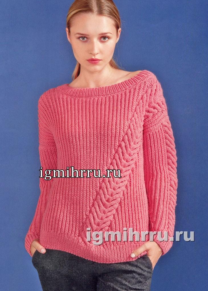 Розовый пуловер с диагональной косой. Вязание спицами