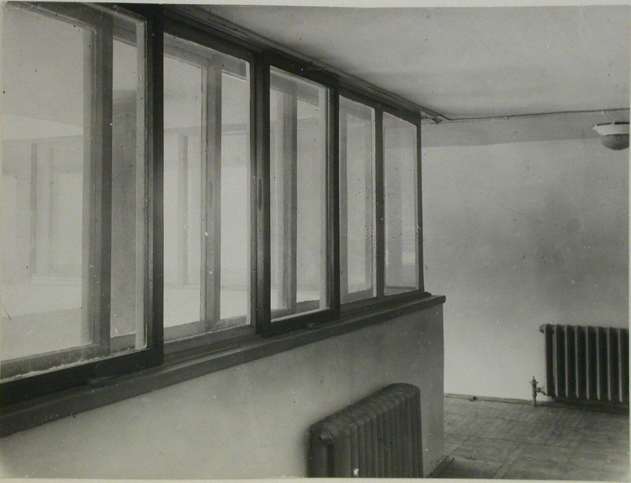 Внутренний вид здания. Фрагмент коридора