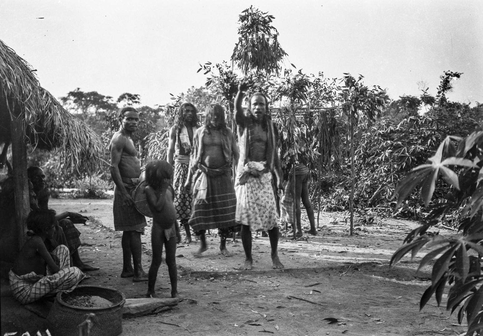 391. Мадугалла. Ритуальный танец лесных веддов