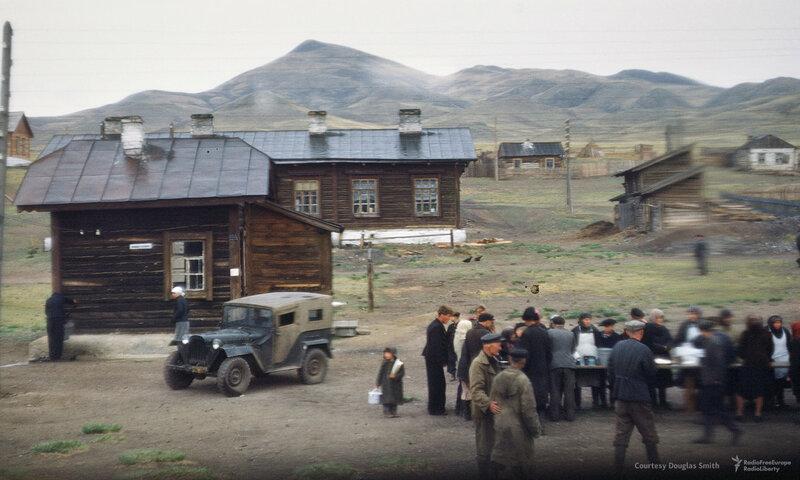 1952-54 Вид из окна поезда. Неизвестное место. Martin Manhoff.jpg