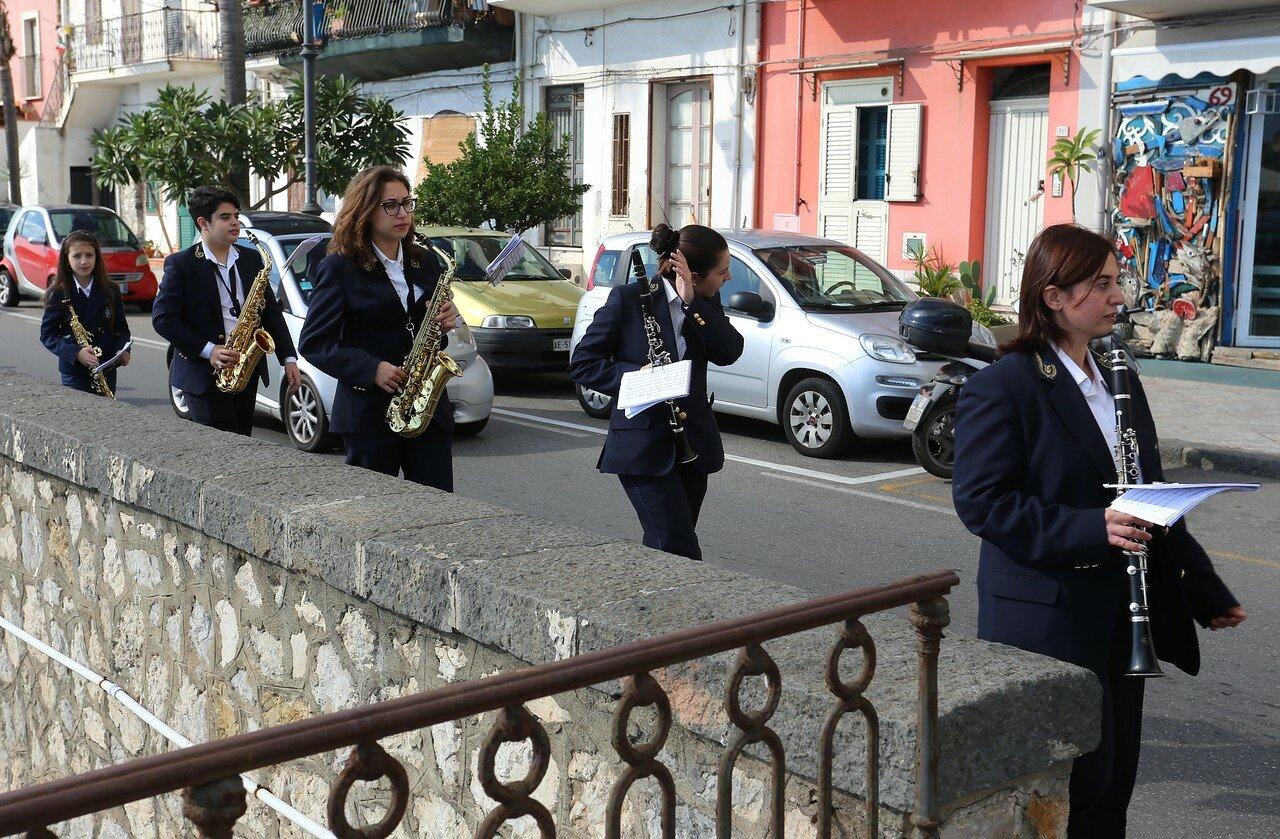 Giardini-Naxos. The 4th of November embankment (Lungomare IV Novembre))