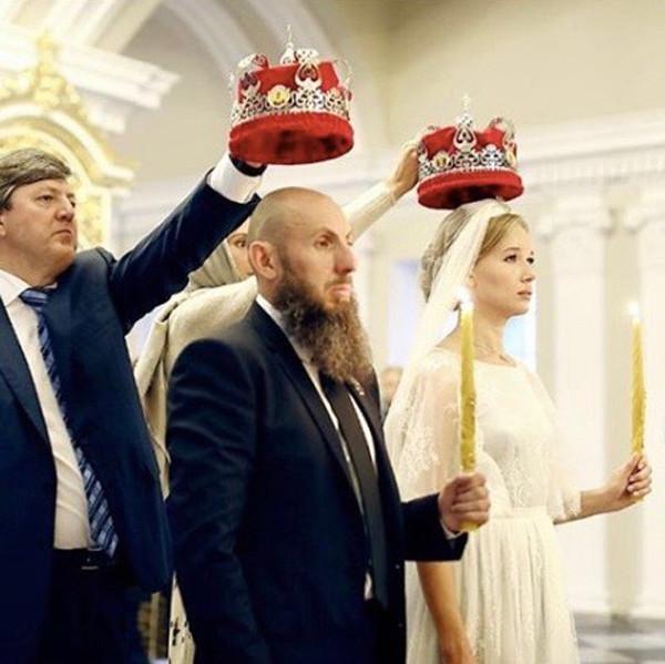 3. Яна Рудковская Яна появилась на свет в семье военного Александра Рудковского. Сразу после рождени