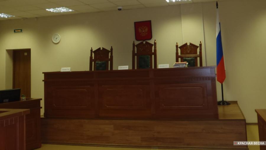 20170425_14-49-Суд окончательно решил убрать доску военному преступнику в Петербурге