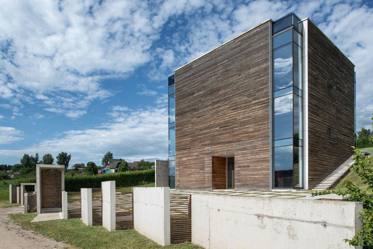 Деревянный фасад частного дома