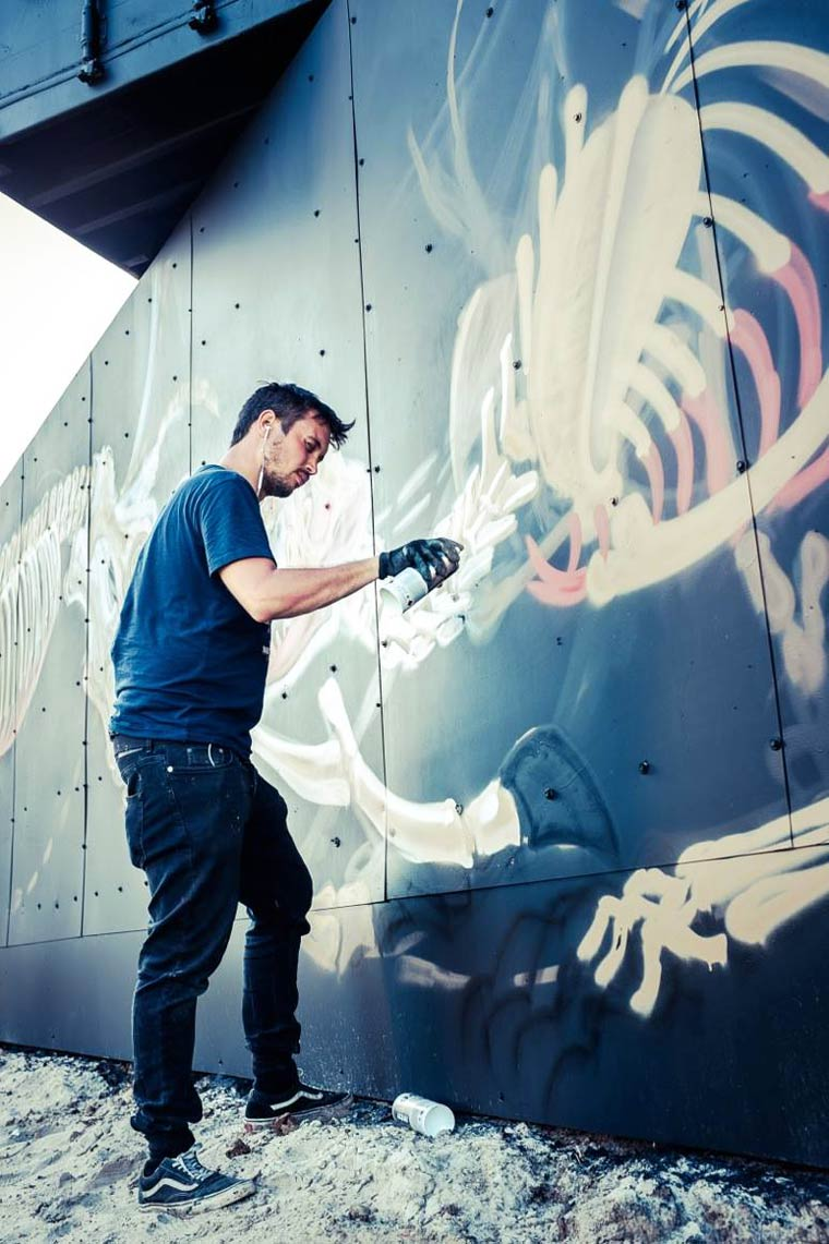 Street Art - Nychos creates a gigantic mural for the North West Walls 2015