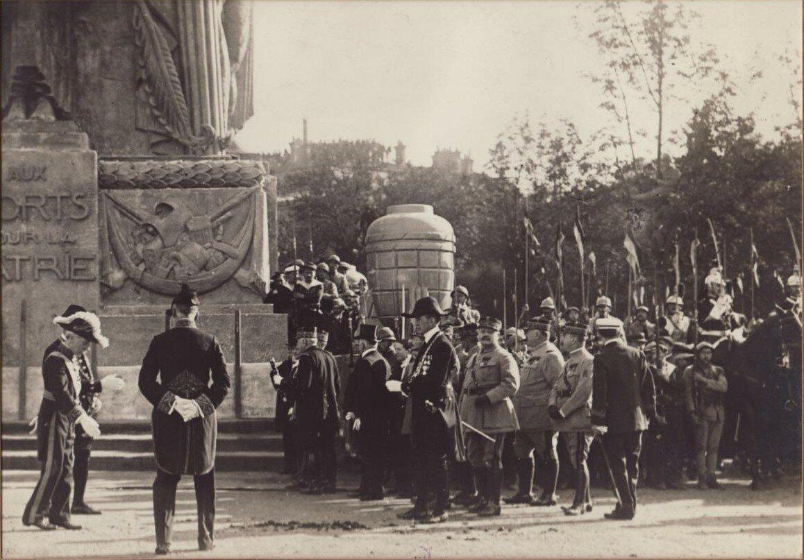 1919. �������, ������������ � ������ � �������� � ������� ����� ����� ������������ ����