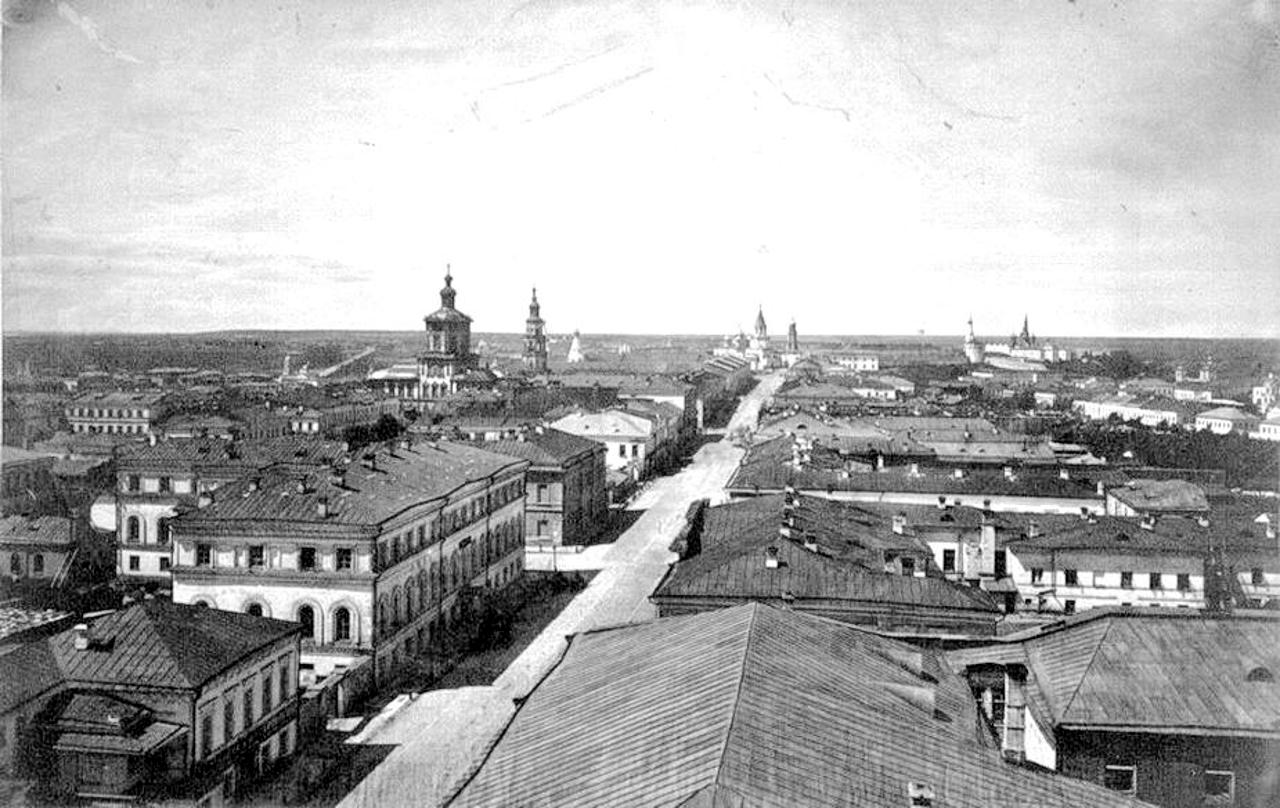 1881. Вид на Воскресенскую улицу с колокольни Воскресенского собора