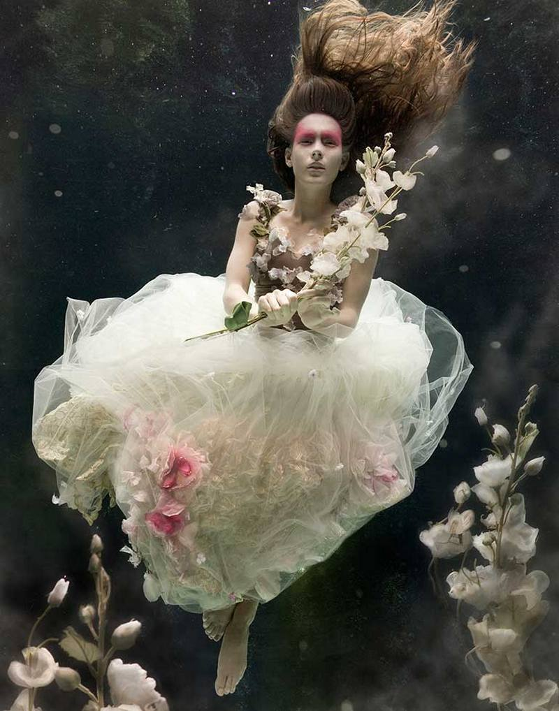 Underwater fashion editorial for FT, How to Spend it Magazine |