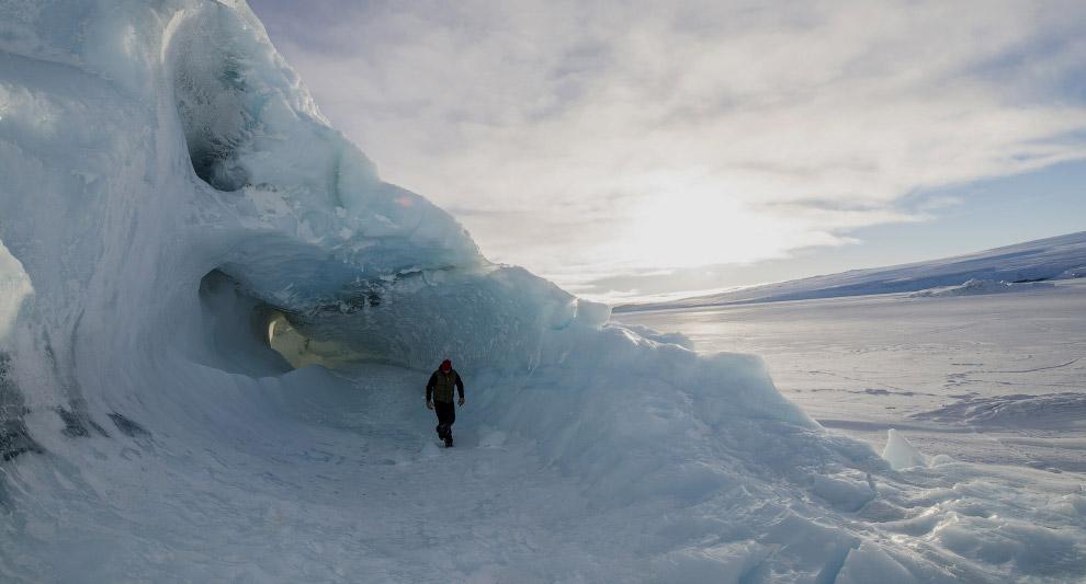 12. В море Росса много айсбергов, встречаются гигантские — периметром в десятки и сотни километ