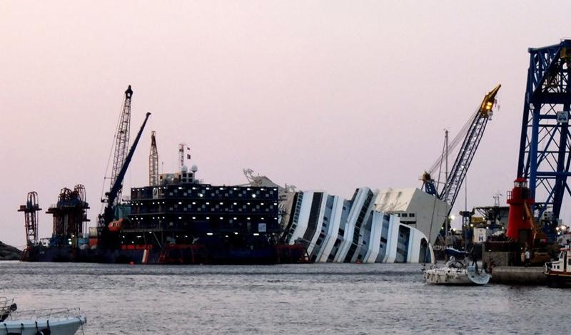 Costa Concordia Трагическое крушение Costa Concordia у берегов Тосканы в очередной раз продемонстрир