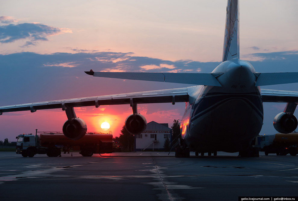 38. Максимальная масса заправляемого топлива ограничена максимальной взлётной массой самолёта и