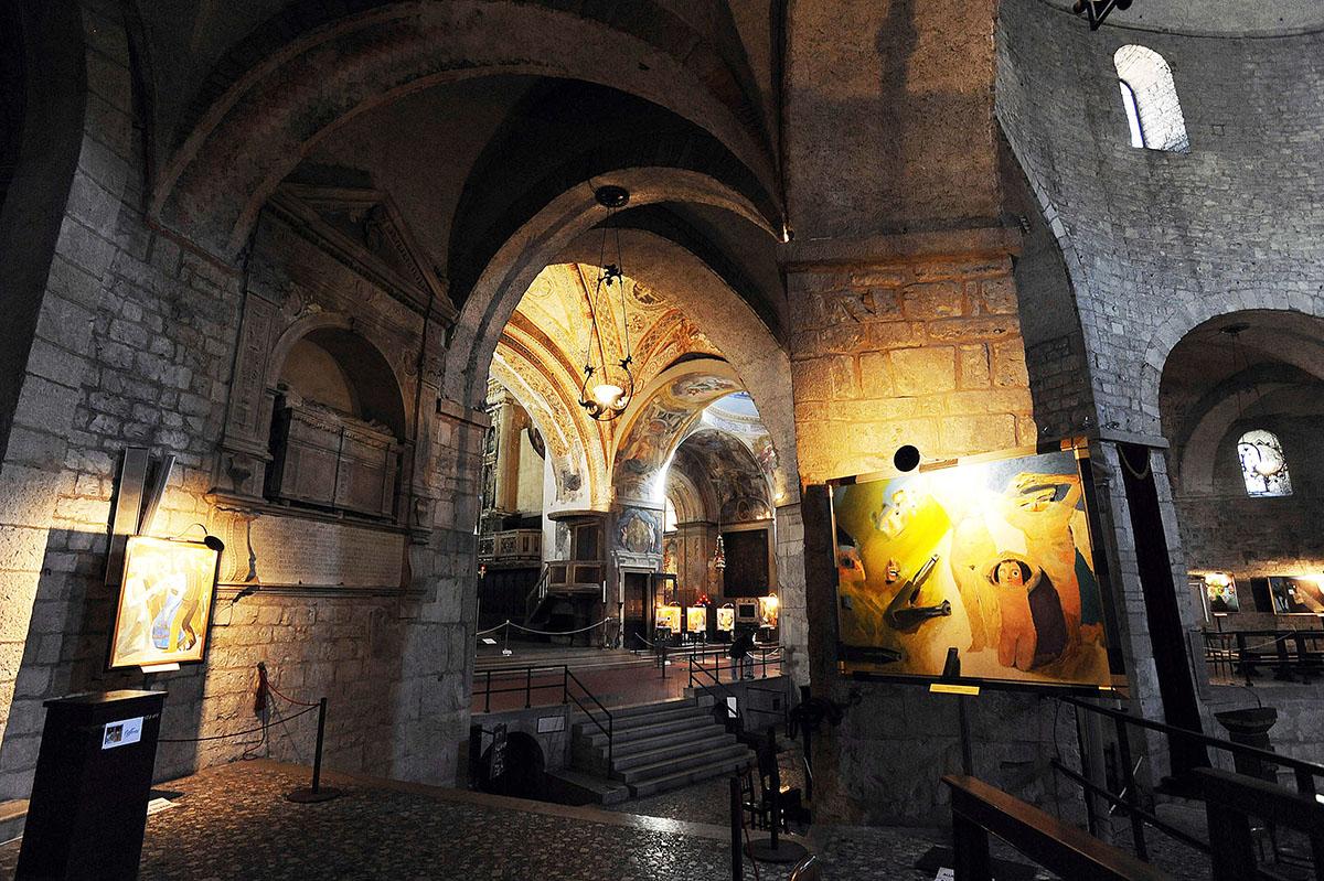 10. Старый собор часто используют для проведения выставок и других культурно-исторических мероприяти