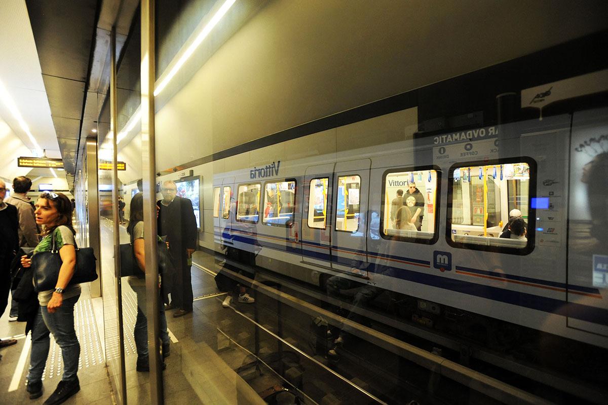 41. Очень понравилось метро Брешии — современное и красивое. После 20 лет проектов, дискуссий, полем