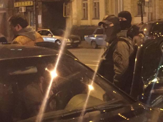 ВКиеве полицейские открыли стрельбу впроцессе задержания автограбителей