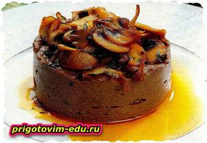 Мусс из телятины с соусом из грибов