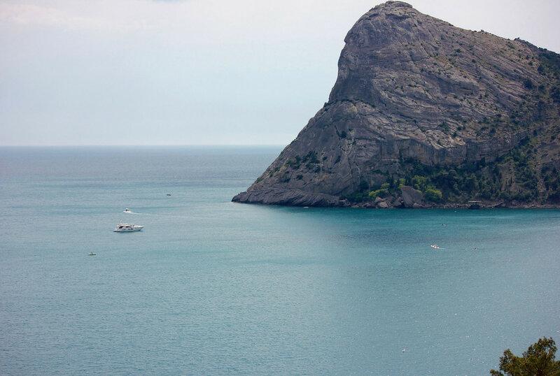 Гора Коба-Кая и голубая бухта