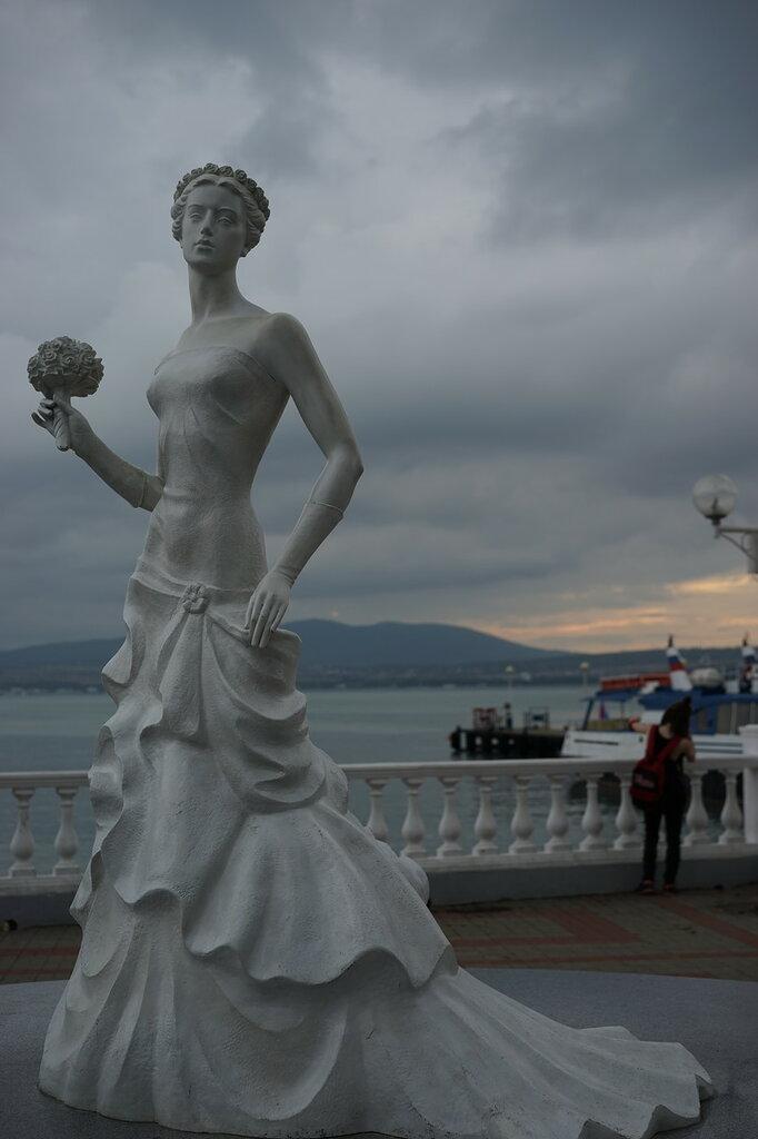 Геленджик. Памятник невесте.