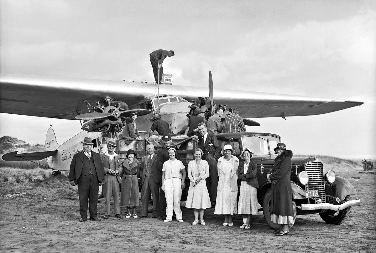 А мы летим в Австралию: Фото на память перед дальней дорогой (1934 год)