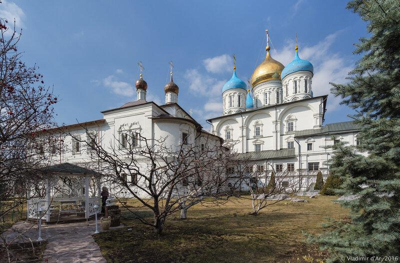 Спасо-Преображенский и Покровский соборы Новоспасского монастыря