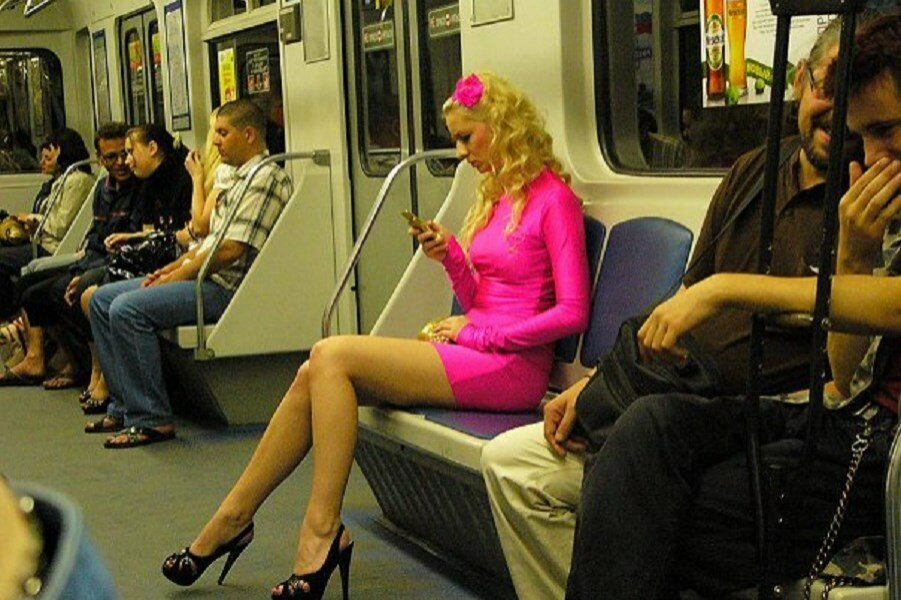 В метро зашел трахольщик анеме