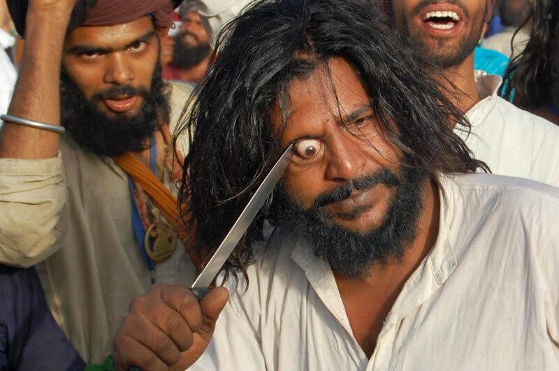 Шокирующая Азия: экстремальный обычай индийских суфиев
