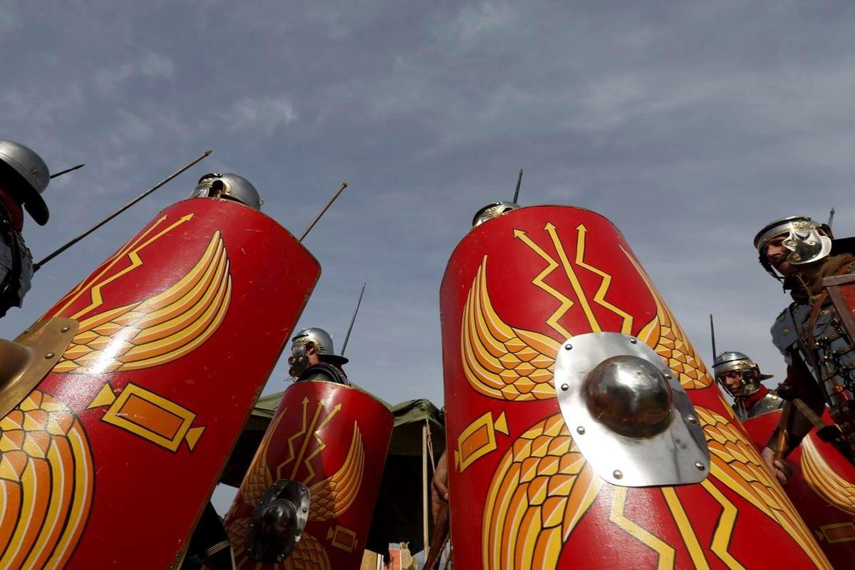 Легионеры армии Древнего Рима: Современный вариант попытки захвата острова Мальта (15)