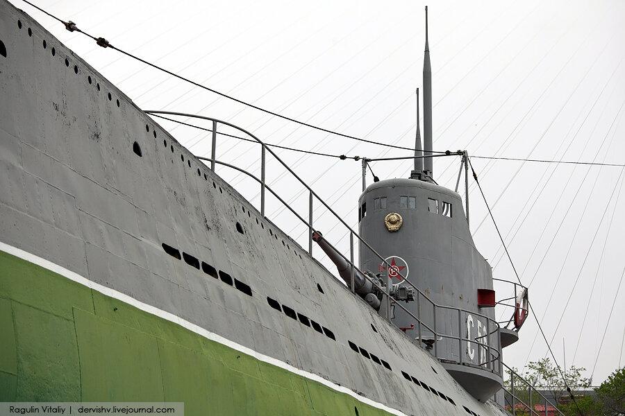 Владивосток стоит подводная лодка с 56