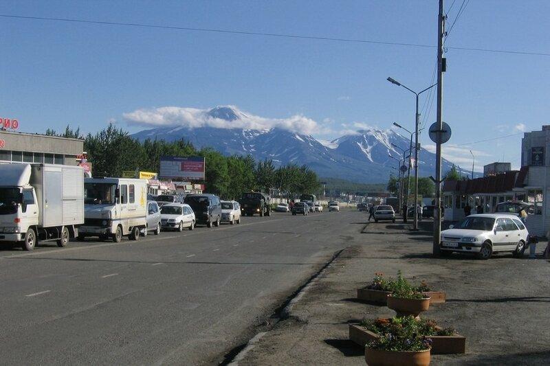 """Петропавловск-Камчатский, вид на """"домашние"""" вулканы"""