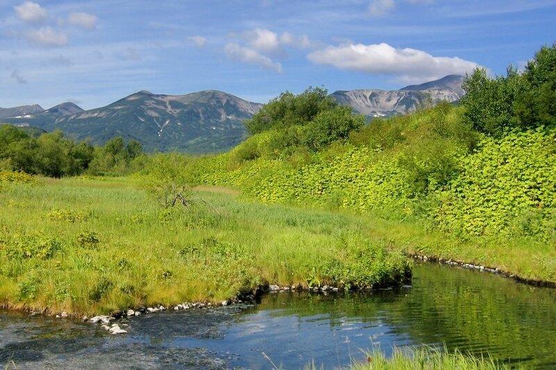 Термальные источники и река Горячая