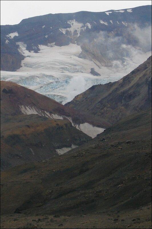 Камчатка, Мутновский вулкан, ледник