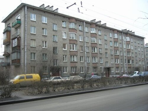 ул. Васи Алексеева 15