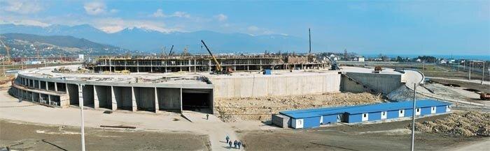 Готов первый этаж ледовой арены для Олимпиады 2014 в Сочи (ФОТО)