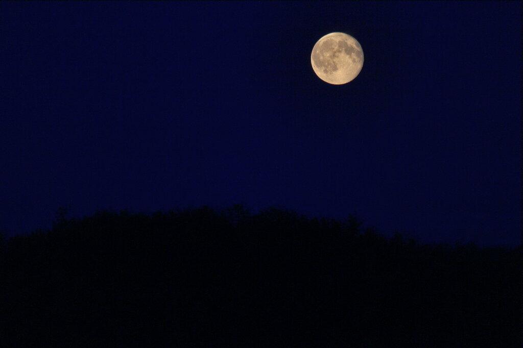 Луна над город Барсучьей