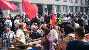 Полиция снесла палаточный лагерь у Генпрокуратуры Молдовы
