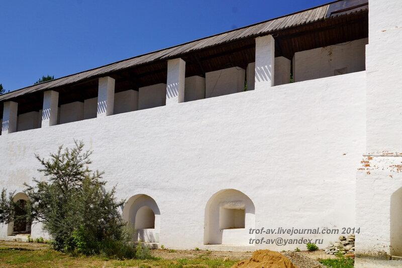 Стена, Свято-Пафнутиев Боровский монастырь
