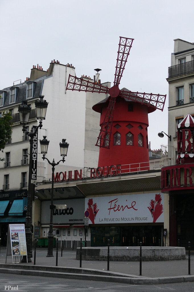 ну и как же Париж без Мулен Руж - знаменитой красной мельницы.....