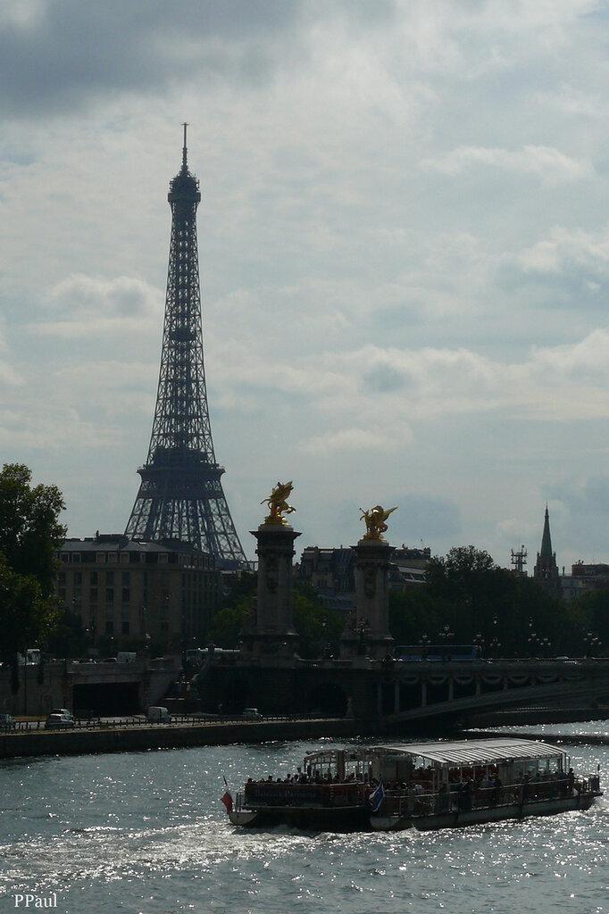 Париж....