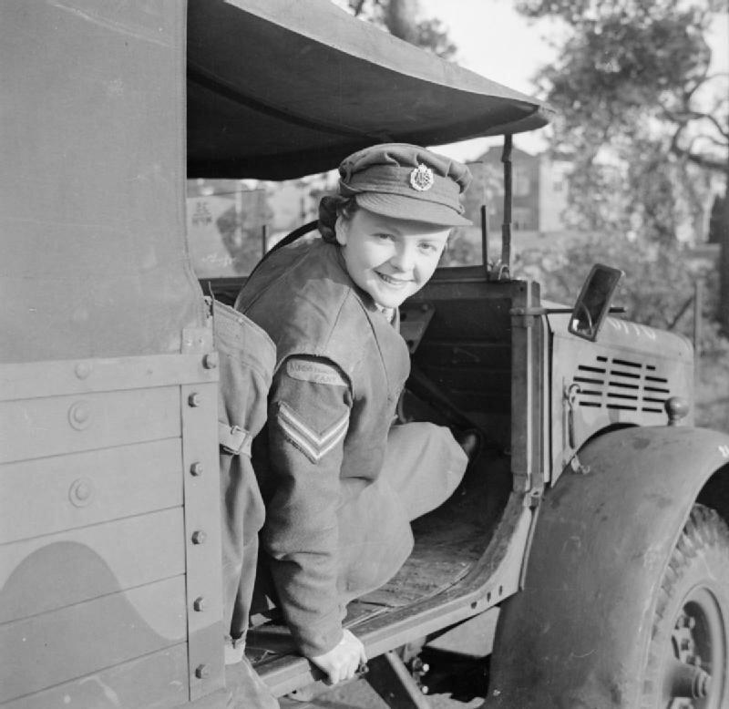 At_An_ATS_Motor_Transport_Company_Training_Centre,_Camberley,_Surrey,_1942_D11072.jpg