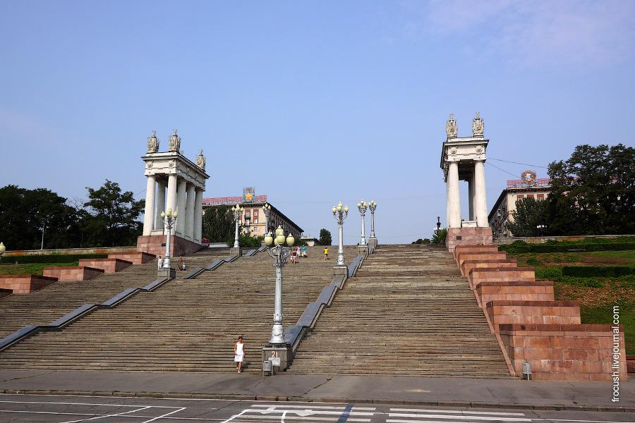 Центральная лестница набережной
