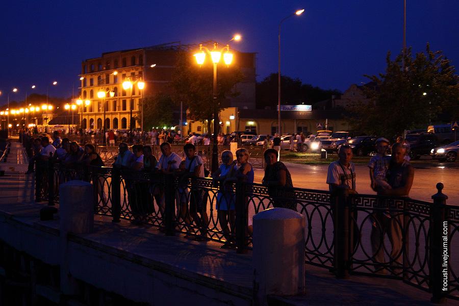 Астраханская набережная вечером